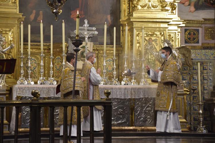 Misa conventual en el Real Colegio-Seminario