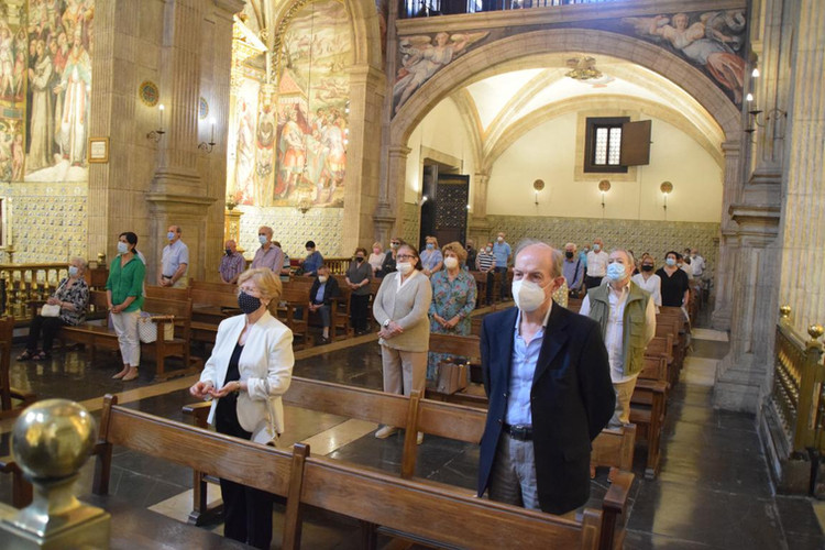 Capilla Mayor durante la misa conventual