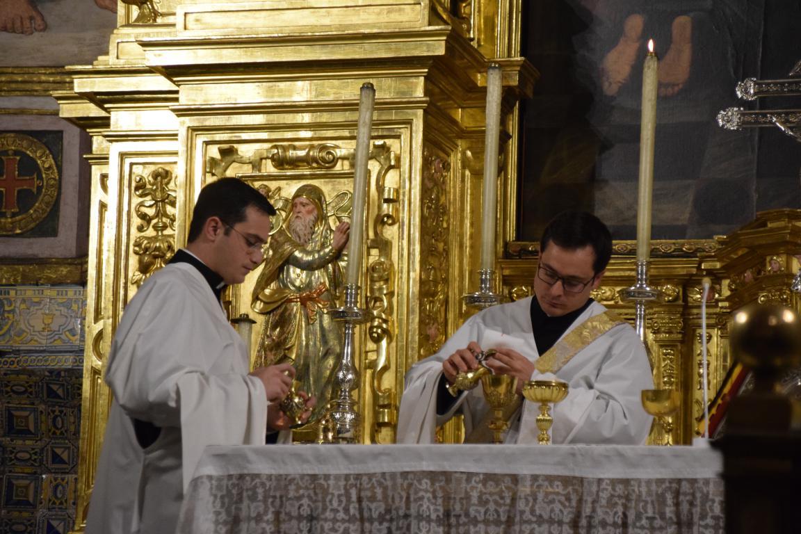 Eucaristía_en_el_segundo_día_del_triduo.