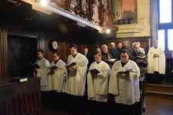 Triduo 3 Laudes coro 2.JPG