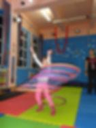 scoala-de-circ-acrobatii-sport-copii-gimnastica-miscare
