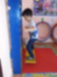 scoala-de-circ-sport-acrobatie-jonglerie-gimnastica-miscare-dans
