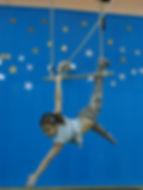 scoala-de-circ-acrobatii-sport-gimnastica-miscare-copii