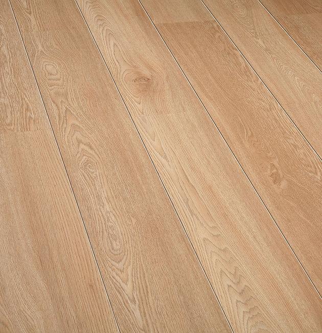O122 Lussac Oak AG.jpg