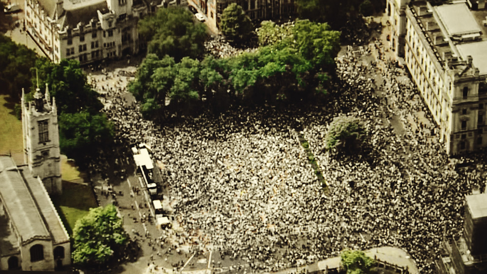 An aerial photo of thousands of people gathered in London for the Peoples Vote march