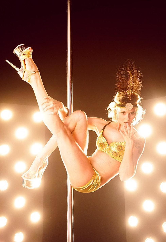 Nude striptease
