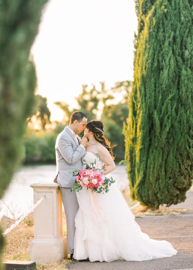 E+M's Grand Island Mansion Wedding