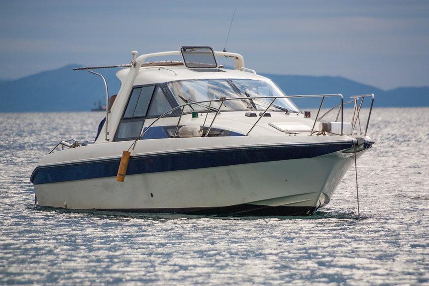 boat-3639409.jpg