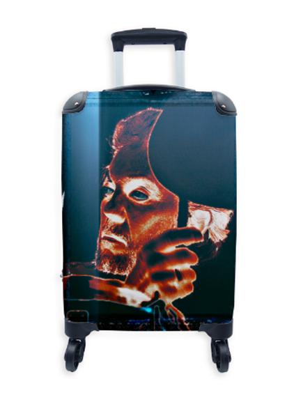 Famous Suitcase Dr. Steve 005