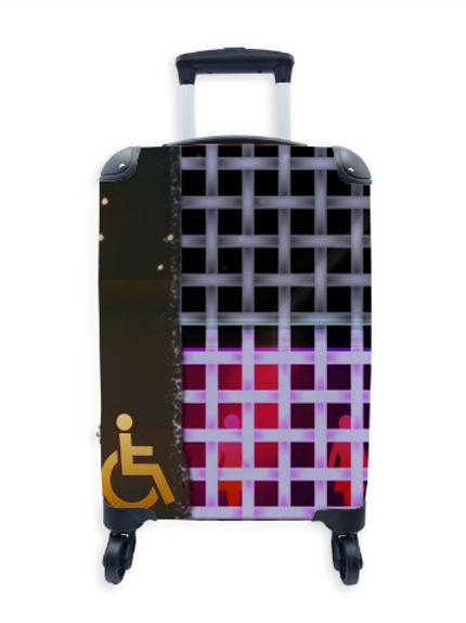 Street Art Suitcase Fem Gen Toilet 007