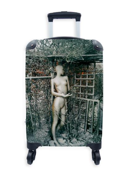 Street Art Suitcase Snow Doll 021