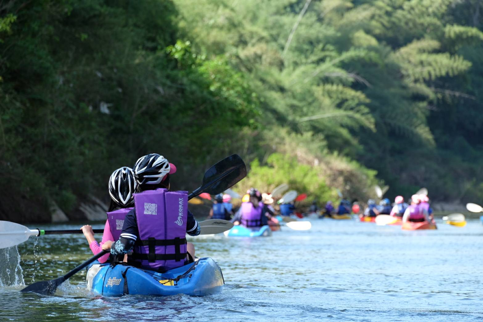 Kayaking on the beautiful Pasak River