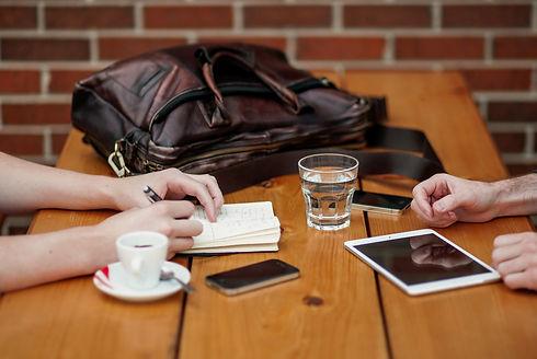 business-meeting-1238188_1920.jpg