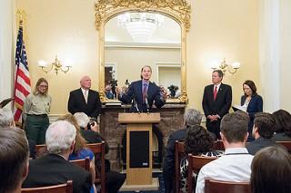 Senator Ron Wyden speaks at press conference