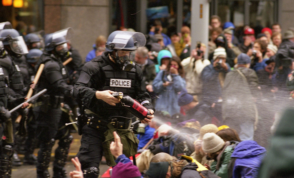 1999 WTO in Seattle, Police Pepper Protestors