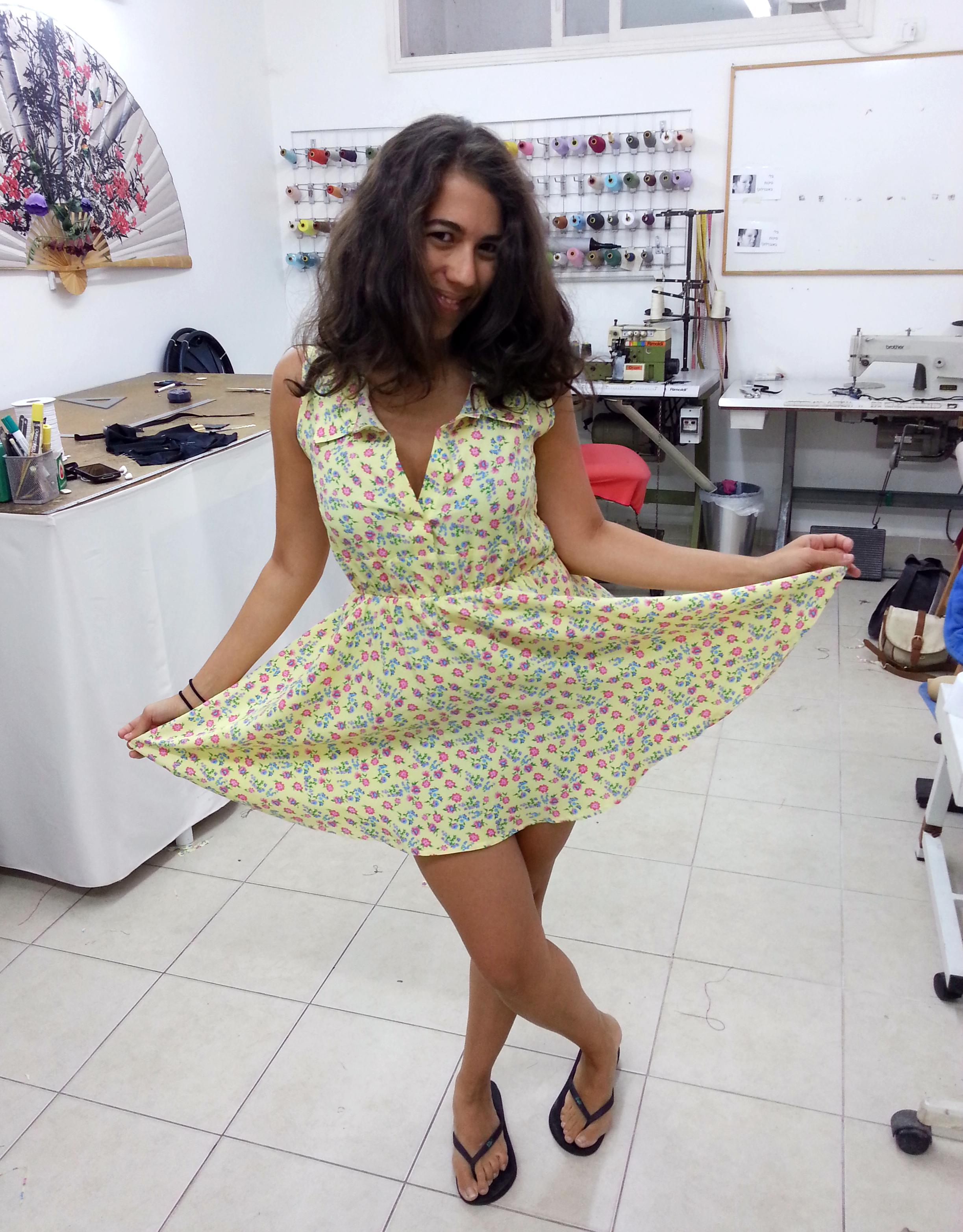 שמלה שנתפרה מגיזרה מבורדה
