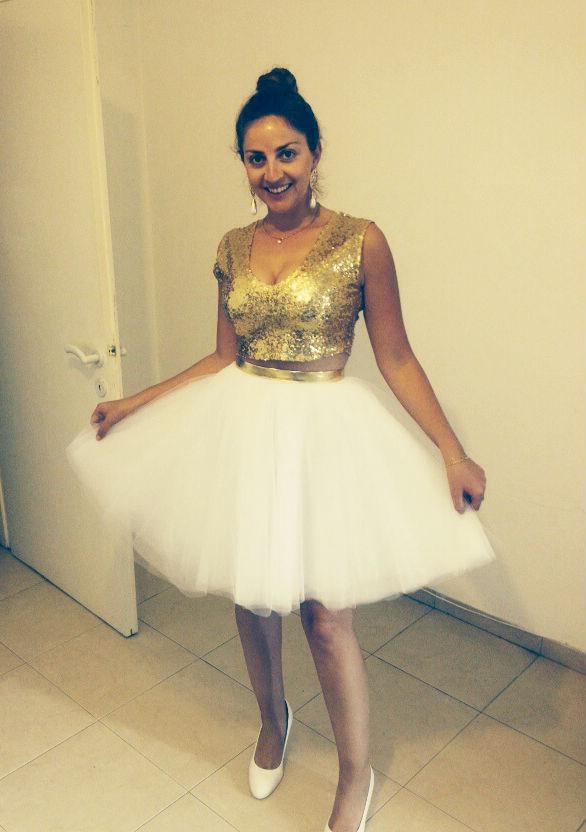 אינה תפרה שמלה שנייה לחתונה שלה!