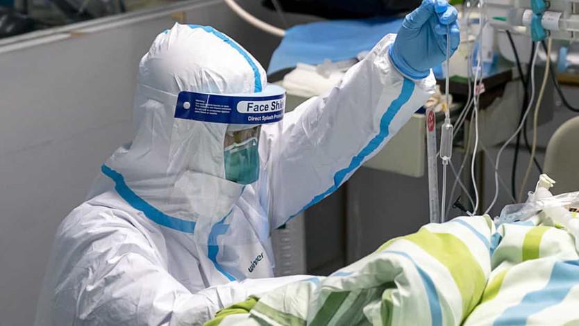 Rusia: Vladímir Putin anuncia pagos adicionales para los médicos que luchan contra el coronavirus
