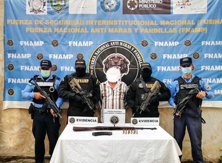 """FNAMP detiene a alias """"El Pelón"""" en posesión de una arma de fuego de uso Prohibido"""