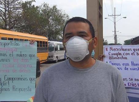 El sector transporte de La Paz, exige al gobierno raciones de alimentos y un bono