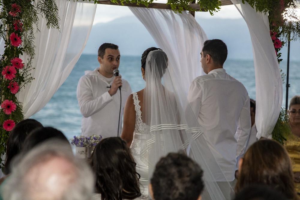 Celebrante de Casamento ou Cerimonialista? Eis a questão...