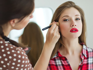 5 reasons to have your makeup done by a pro