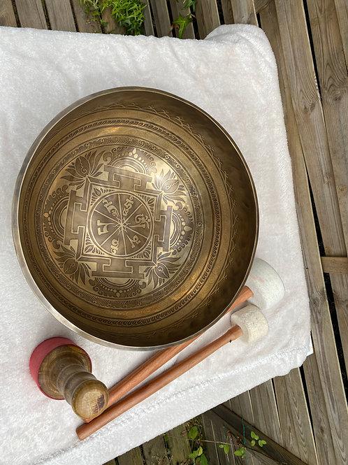 bol chantant Tibet gravé main  35 cm