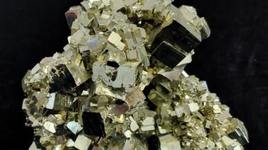 황철석 (Pyrite)