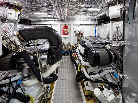 62-interior-engine-room.jpg