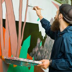The artist draws graffiti..jpg