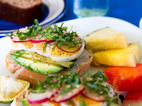 Breakfasting in Sámara: The Bohemia Café