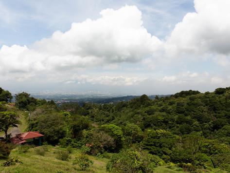 Hiking in Heredia: Bosque Caricias los Leones