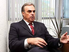 Congresso brasileiro é um dos mais caros do mundo, diz Gil Castello Branco