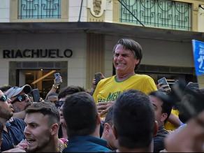 Jair Bolsonaro é ferido com faca durante campanha em Juiz de Fora