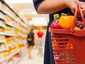 Consumidores esperam inflação de 5% em 12 meses a partir de abril, aponta FGV