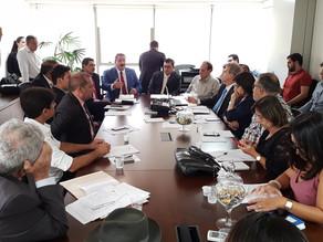 Alberto Feitosa debate projetos de prevenção à violência com deputados e agentes públicos municipais