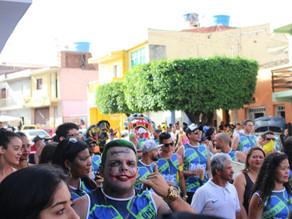 Foliões aproveitam o carnaval nas ladeiras de Triunfo