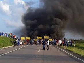 Motoristas de transportes alternativos protestam em vias de Pernambuco