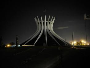 Monumentos apagam as luzes hoje à noite durante a Hora do Planeta