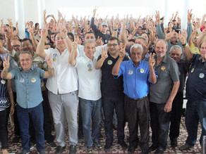 Triunfenses se reúnem para conversar sobre política com Alberto Feitosa e Sebastião Oliveira