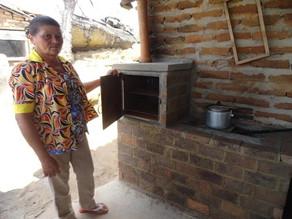 Semas entrega fogões ecológicos e banheiros do Projeto de combate à desertificação
