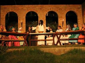 Espetáculo da Paixão de Cristo reúne mais de 10 mil pessoas em Triunfo