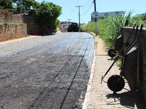 Prefeitura de Triunfo asfalta ruas em vários pontos da cidade