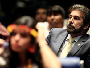 TRF-4 manda bloquear R$ 3,5 bilhões de partidos, empresas e políticos