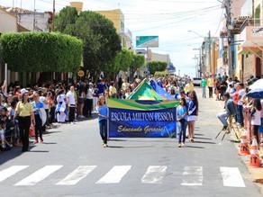Desfile cívico celebra 07 de Setembro em Triunfo