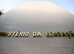 Com atraso, MEC separa R$ 525 milhões para escolas prepararem retorno das aulas presenciais