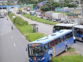 Caminhoneiros bloqueiam 11 pontos de rodovias em Pernambuco