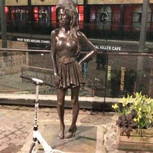 Amy Winehouse statue