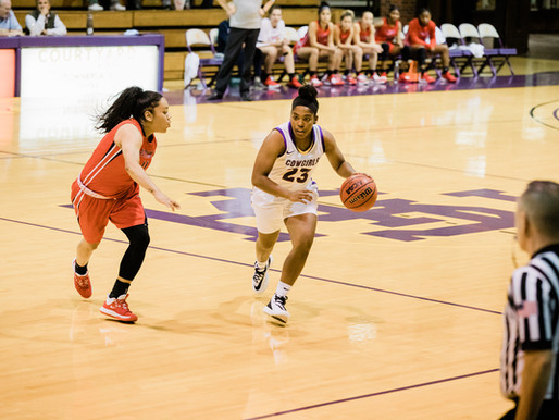 HSU Women's Basketball Has Impressive Start to the Season