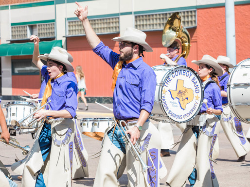 Cowboy Band Gets Ready for Mardi Gras Parade in New Orleans